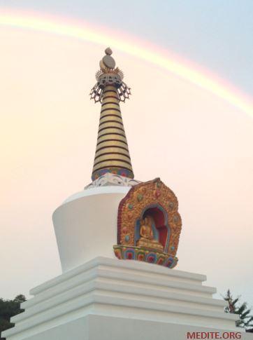 Stupa-LBY-Arc-en-ciel