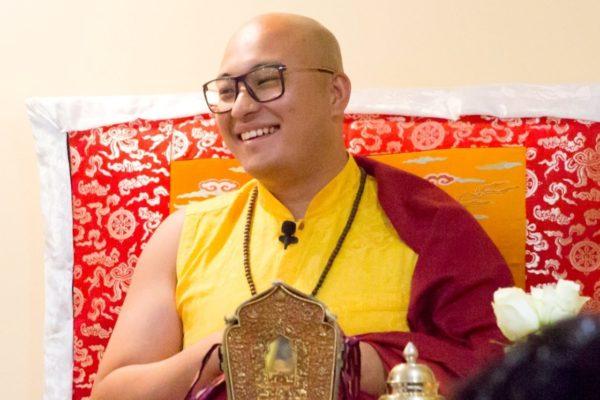 Enseignement ouvert à tous et Retraite de 14 jours guidée par Kyabje Kalou Rimpoche, du jeudi 20 juin 18h au jeudi 4 juillet après-midi
